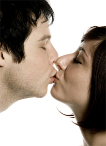 are colds contagious through kissing